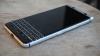 BlackBerry lansează KeyOne, un nou smartphone cu tastatură fizică (VIDEO)
