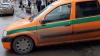 Maşina încasatorilor, parcată aiurea în Capitală. Reacţia tăioasă a şoferului tupeist (VIDEO)
