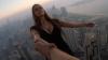 ŞI-A RISCAT VIAŢA pentru un SELFIE! Cine este tânăra care a urcat pe un zgârie-nori din Dubai (VIDEO)