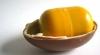 ADEVĂRATUL MOTIV pentru care toate surprizele din ouăle de ciocolată au AMBALAJ GALBEN