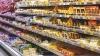SCENE INCREDIBILE într-un supermarket. UN ŞOBOLAN pe raftul cu brânzeturi (VIDEO)