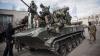 SPERANŢE DE PACE în Ucraina. Rebelii îşi retrag arnamentul din zona de conflict