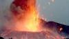Vulcanul Etna a început să erupă. Norii de cenuşă au perturbat traficul aerian (VIDEO)