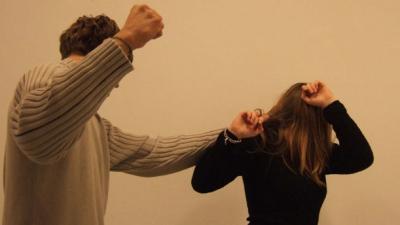 Tot mai multe femei din Moldova sunt abuzate fizic şi sexual