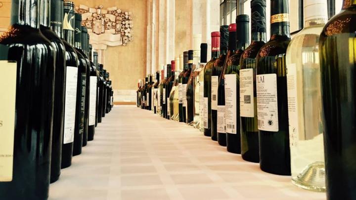 """Divinuri alese la """"ExpoVin Moldova 2017"""". Ce noutăţi sunt pe piaţa băuturilor alcoolice"""