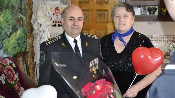 Dragostea pluteşte în aer! Polițiștii din ţară au îndemnat cetăţenii să se iubească şi să se respecte (FOTO/VIDEO)