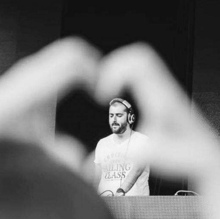 DOLIU în lumea muzicii. Un cunoscut DJ din România a murit (FOTO)