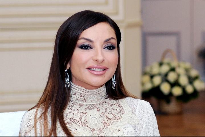 Categorie:Femei din Azerbaidjan - Wikipedia