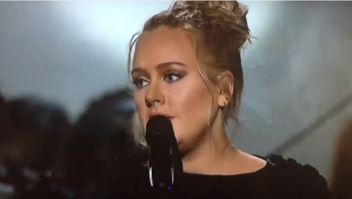 Gala Grammy 2017: Adele i-a adus un omagiu EMOŢIONANT lui George Michael (VIDEO)