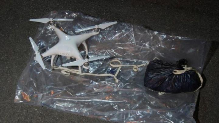 O dronă care transporta droguri pentru deţinuţi, interceptată deasupra unui penitenciar din România