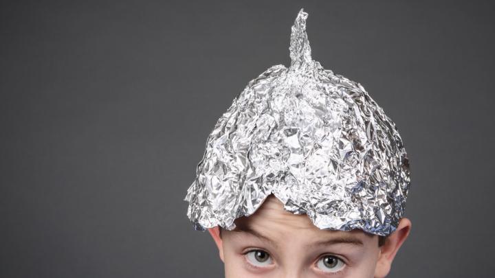 UIMITOR! Ce boli vindeci cu folia de aluminiu