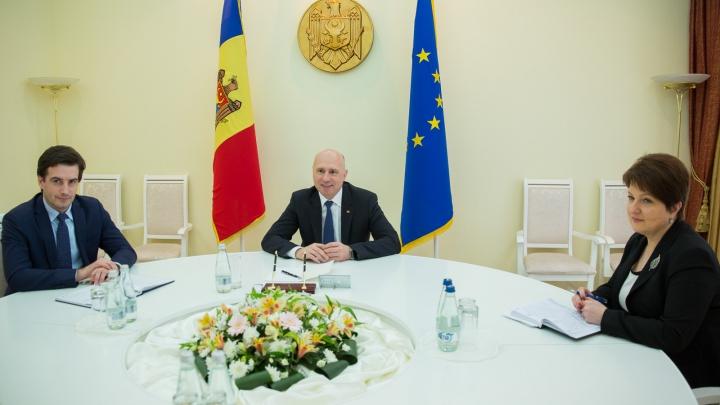 Pavel Filip s-a întâlnit cu conducerea Asociaţiei Investitorilor Străini din Moldova. Despre ce au discutat