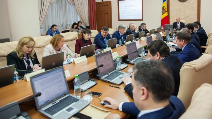 Guvernul a APROBAT acreditarea a 13 programe de studii de licență în instituțiile de învățământ superior din Moldova