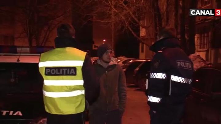 Hoți prinși în flagrant de polițiști: Voiau să fure acumulatorul unui automobil (VIDEO)
