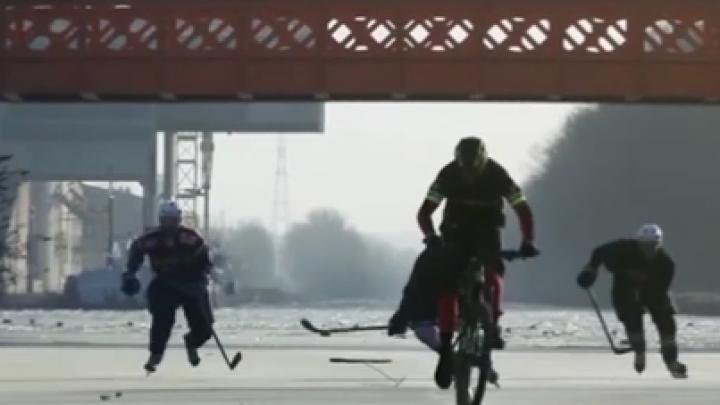 IMPRESIONANT! Cursă pe un râu îngheţat. Cum a fost sărbătorită victoria (VIDEO)