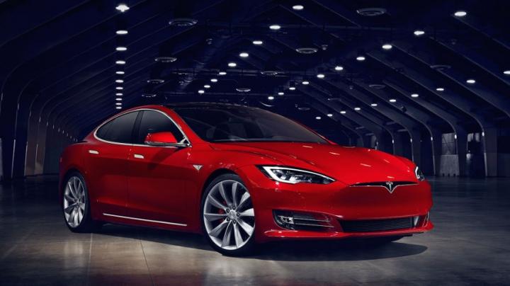 Record de viteză pentru Tesla Model S! Cât timp îi ia să atingă 100 km/h (VIDEO)