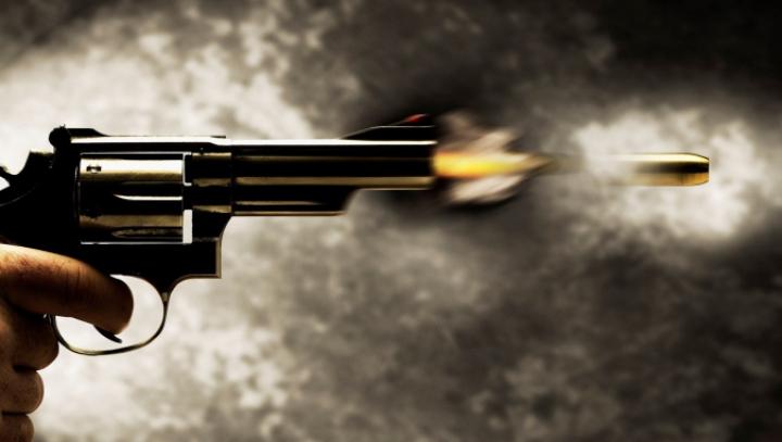 ATAC SÂNGEROS. Cinci oameni au murit, după ce trei indivizi s-au năpustit asupra lor cu arme albe