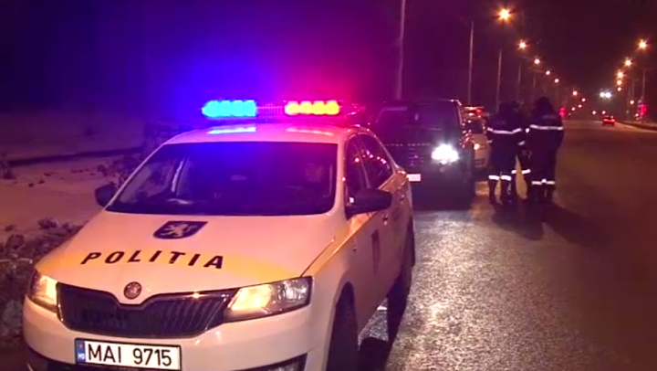 RALIU pe străzile Chişinăului! O șoferiță aflată la volanul unui Range Rover a pus pe jar poliţiştii (VIDEO)