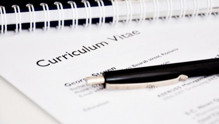 Evită-le! Greşeli în CV pentru care eşti refuzat din start. Reguli de aur pe care trebuie să le ştii