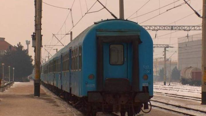 ACCIDENT FEROVIAR: Un bărbat a fost lovit şi târât de un tren