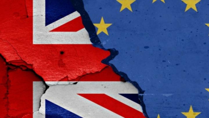Comisia Europeană avertizează Marea Britanie că trebuie să îşi plătească obligaţiile la bugetul UE