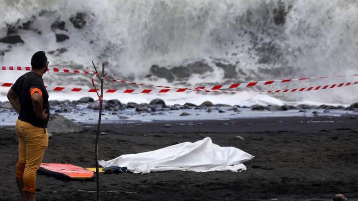 Un tânăr şi-a pierdut viaţa după ce a fost ATACAT de un rechin în largul insulei La Reunion