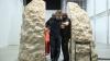 După ce a stat o săptămână închis într-o rocă, un artist francez i-a mulțumit pietrei pentru găzduire
