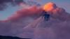 IMAGINI SPECTACULOASE în Kamceatka. Vulcanul Kambalnîi a început să erupă, pentru prima dată după 200 de ani