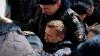 Aleksei Navalnîi a fost adus în faţa instanţei. De ce este acuzat principalul opozant al Kremlinului
