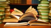 O editură vrea să dea în judecată Ministerul Educaţiei, după ce peste 70 de mii de manuale au fost retrase de la elevi