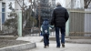 O şansă la fericire. Tot mai multe familii din Moldova adoptă copii
