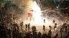 PUBLIKA WORLD. Nebunie curată în Mexic! Oamenii au dansat printre focuri de artificii şi petarde (VIDEO)