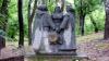 A venit primăvara! Să sfârâie grătarele dar și să se admire sculpturile de grădină din parcurile Capitalei (VIDEO)