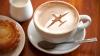 Mare atenție! De ce nu este bine să bei cafeaua oferită în avion