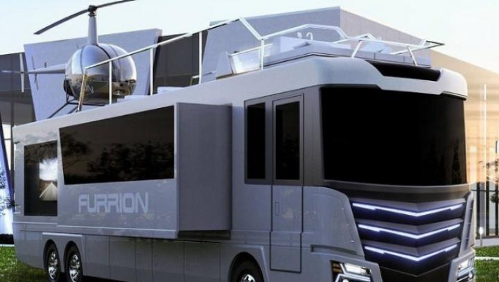 Rulotă INEDITĂ: E dotată cu elicopter, jacuzzi, home-cinema, saună şi bucătărie (FOTO)