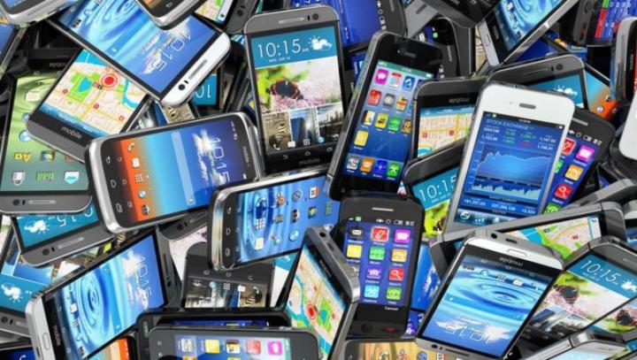 La revedere, smartphone. Regulile impuse de Rusia pentru vizita parlamentarilor danezi