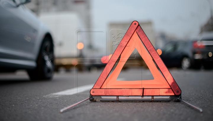 Accident grav pe traseul Chişinău-Hânceşti: Şoferul a murit, iar un pasager, pe patul de spital