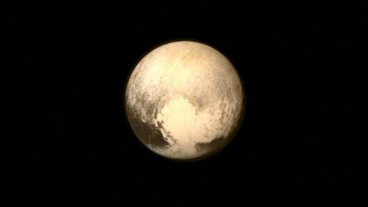 O echipă de astronomi americani luptă pentru redobândirea statutului de planetă de către Pluto