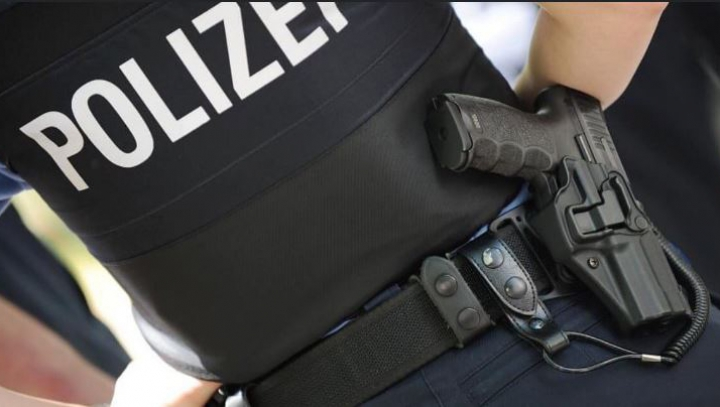 Percheziții de amploare la firme din industria cărnii din Germania ce au adus ilegal muncitori est-europeni