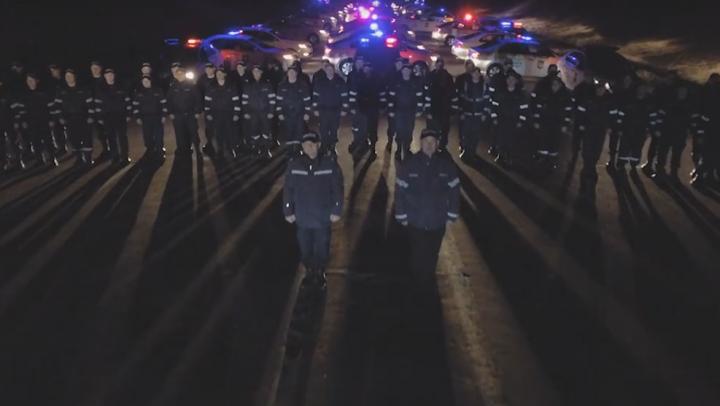 """""""Pentru că sunteţi cele care înseninează viaţa!"""" Poliţiştii din Moldova, MESAJ EMOŢIONANT pentru femei (VIDEO)"""