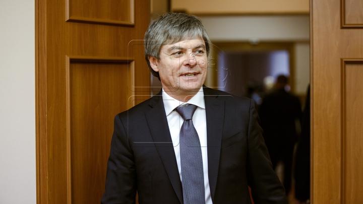 Procurorii anticorupţie au cerut suspendarea din funcţie a viceministrului Economiei, Valeriu Triboi