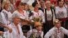 """Mândri de tradiţiile neamului. Ansamblul """"Arţăraş"""" a impresionat la Festivalul Folcloric Internaţional al dansului"""