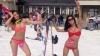 Record de schiori în costum de baie. 1.200 de persoane au renunţat la haine şi au încălţat schiurile