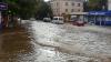 Lupta pentru prevenirea inundațiilor CONTINUĂ! Autoritățile curăță râurile și țin sub control digurile