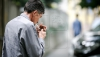 Fumatul, un viciu răspândit printre moldoveni: Fiecare al treilea bărbat fumează zilnic sau ocazional