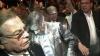 Candidatul republican la alegerile prezidenţiale, Francois Fillon, împroşcat cu făină şi bruscat