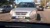 Tupeu de şofer cu numere străine: Trece linia dublă continuă şi circulă pe contrasens (VIDEO)