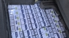 Mii de pachete cu țigări de contrabandă confiscate de polițiștii de investigații (VIDEO)