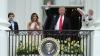 Donald şi Melania Trump, sub lupa presei! Prima doamnă l-a înghiontit pe liderul de la Casa Albă (VIDEO)