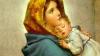 Sute de credincioși au mers să vadă. Ce a apărut din senin pe o statuie a Fecioarei Maria